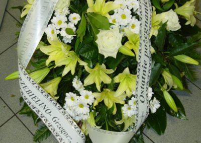 wieniec pogrzebowy lilie 06